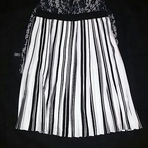 Ivanka Trump pleated black & white skirt
